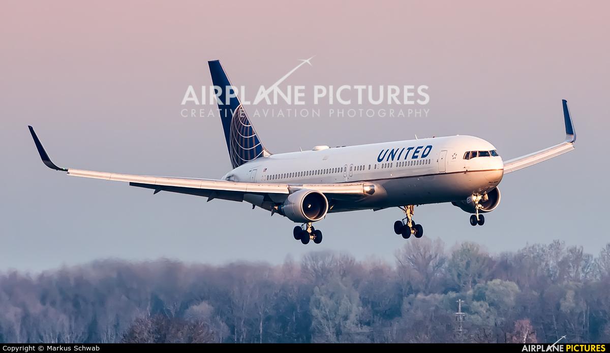 United Airlines N669UA aircraft at Munich