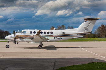 T7-AIM - Private Beechcraft 300 King Air 350