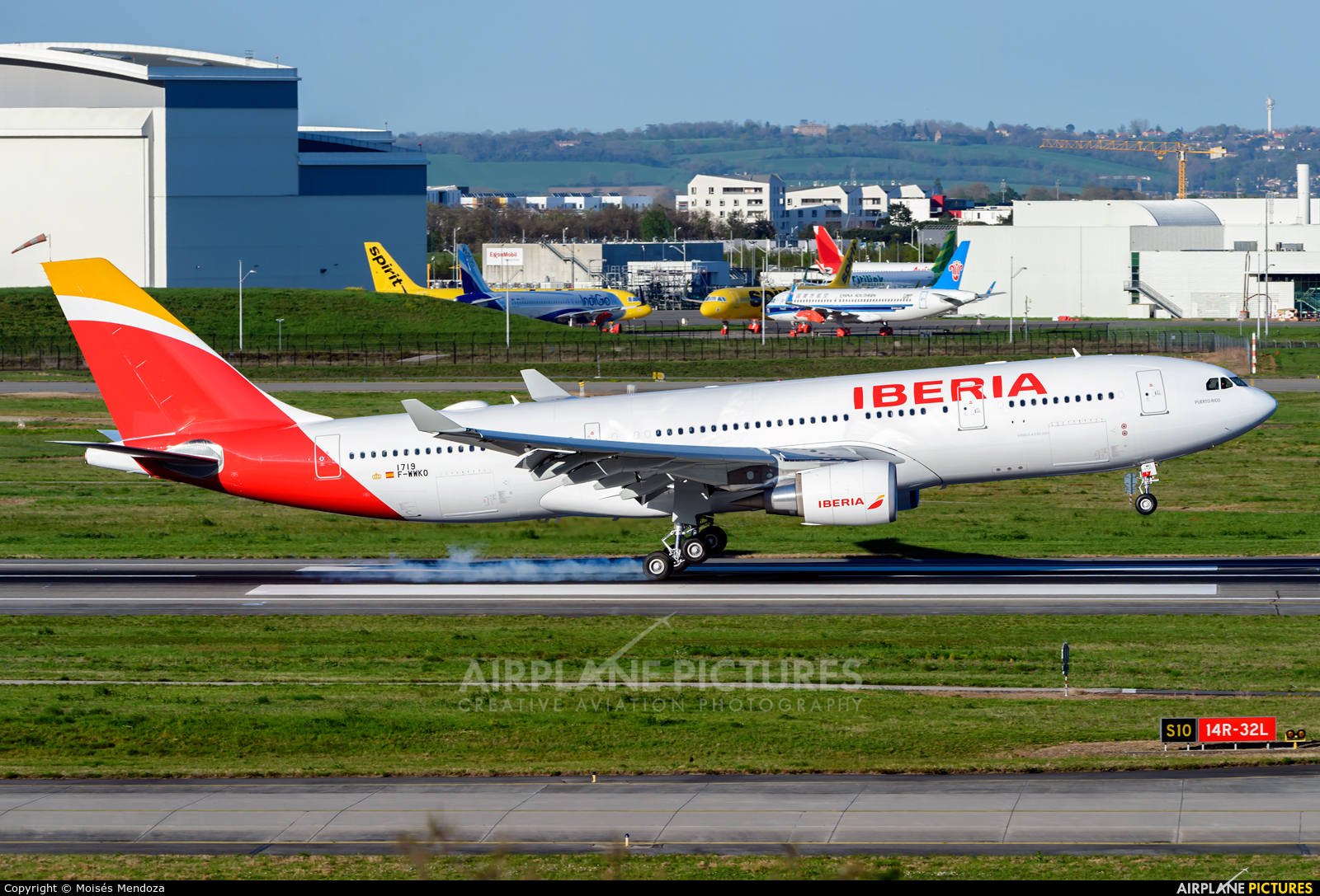 Iberia F-WWKO aircraft at Toulouse - Blagnac