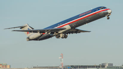 N7514A - American Airlines McDonnell Douglas MD-82