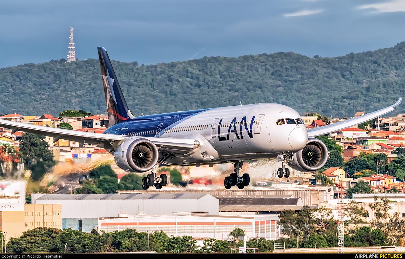 LAN Airlines CC-BGH aircraft at São Paulo - Guarulhos