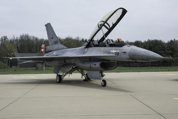 J-884 - Netherlands - Air Force General Dynamics F-16B Fighting Falcon