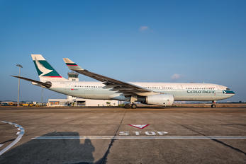 B-HLF - Cathay Pacific Airbus A330-300