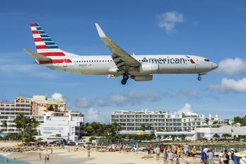 N963AN - American Airlines Boeing 737-800