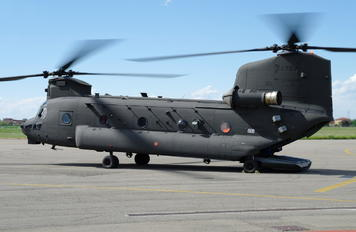 CSX81781 - Italy - Army Boeing CH-47F Chinook