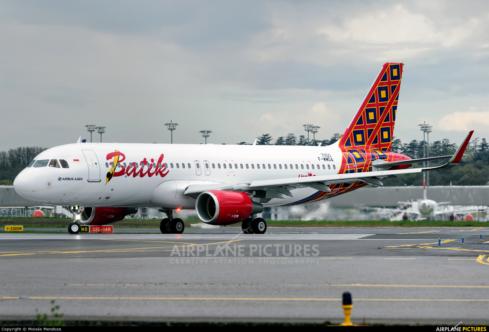 Batik Air F-WWDA aircraft at Toulouse - Blagnac