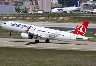 TC-JSY - Turkish Airlines Airbus A321