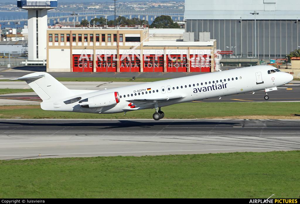 AvantiAir D-AGPH aircraft at Lisbon