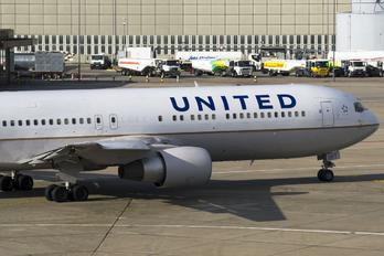 N641UA - United Airlines Boeing 767-300ER