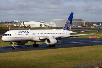 N67134 - United Airlines Boeing 757-200