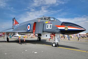 XV586 - Royal Air Force McDonnell Douglas F-4K Phantom FG.1