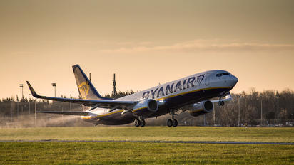EI-FOV - Ryanair Boeing 737-800