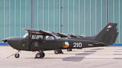 210 - Ireland - Air Corps Cessna FR172H