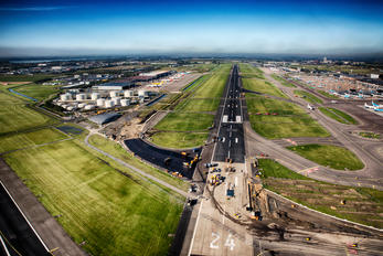 EHAM - - Airport Overview - Airport Overview - Runway, Taxiway