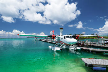 - - Maldivian Air Taxi de Havilland Canada DHC-6 Twin Otter