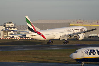 A6-EBL - Emirates Airlines Boeing 777-300ER