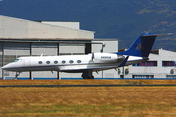 N898AW - Private Gulfstream Aerospace G-IV,  G-IV-SP, G-IV-X, G300, G350, G400, G450