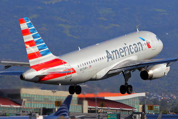 N825AW - American Airlines Airbus A319