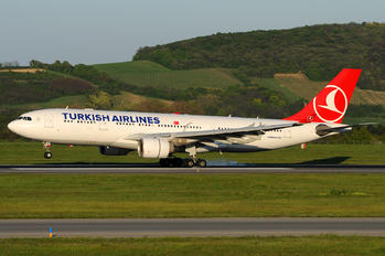 TC-JIV - Turkish Airlines Airbus A330-200