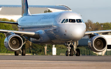 OO-SNG - Brussels Airlines Airbus A320