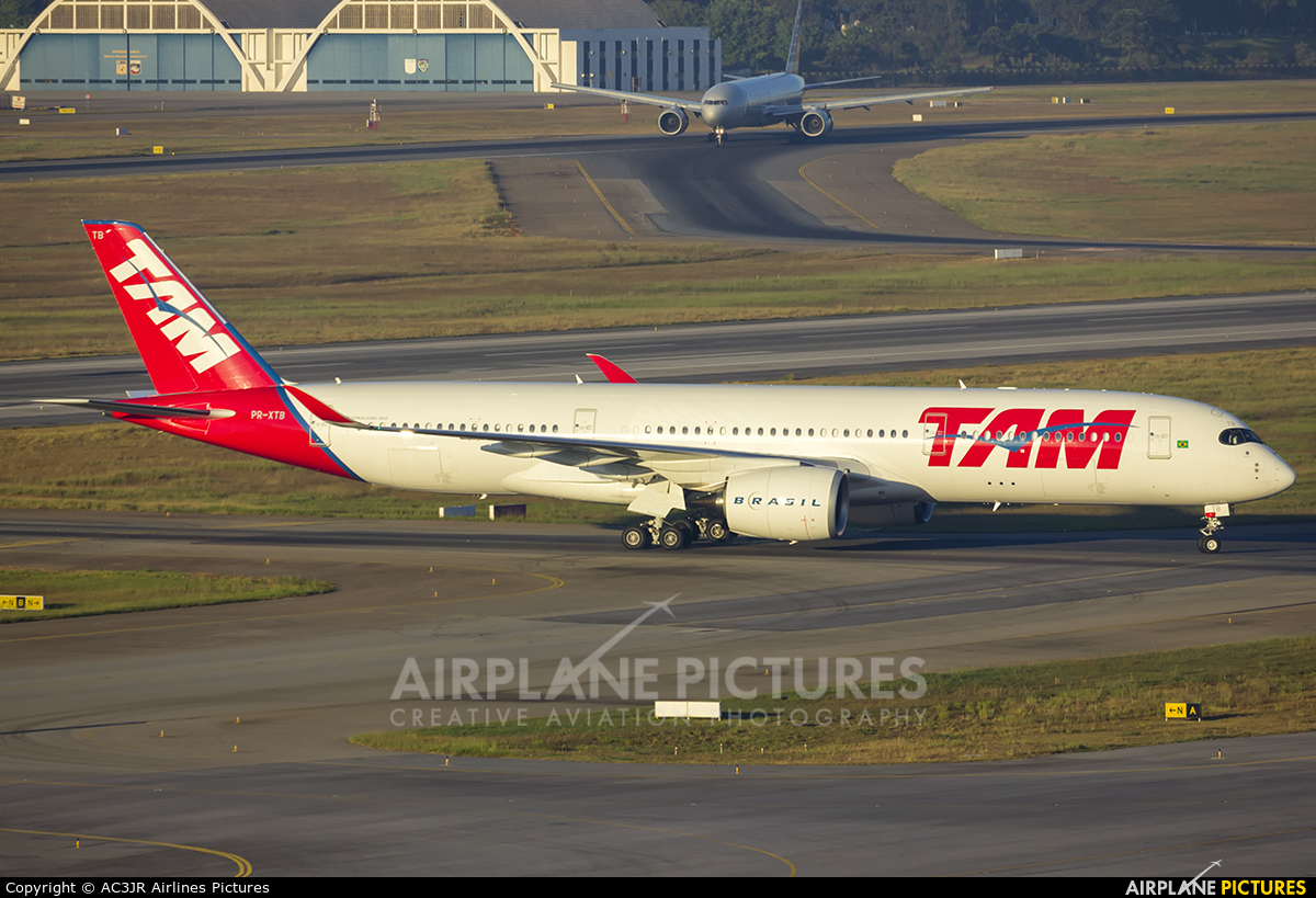 TAM PR-XTB aircraft at São Paulo - Guarulhos