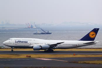 D-ABYQ - Lufthansa Boeing 747-8