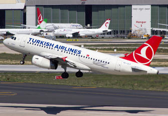 TC-JLV - Turkish Airlines Airbus A319