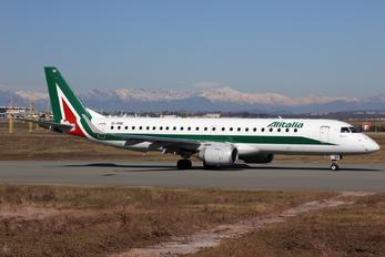 EI-RNE - Alitalia Embraer ERJ-190 (190-100)