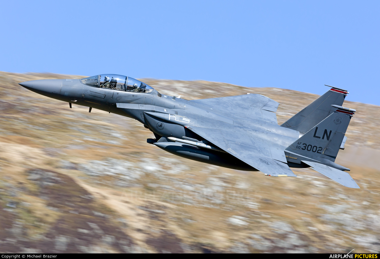 USA - Air Force 00-3002 aircraft at Machynlleth Loop - LFA 7