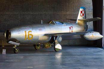 16 RED - Poland - Air Force Yakovlev Yak-23