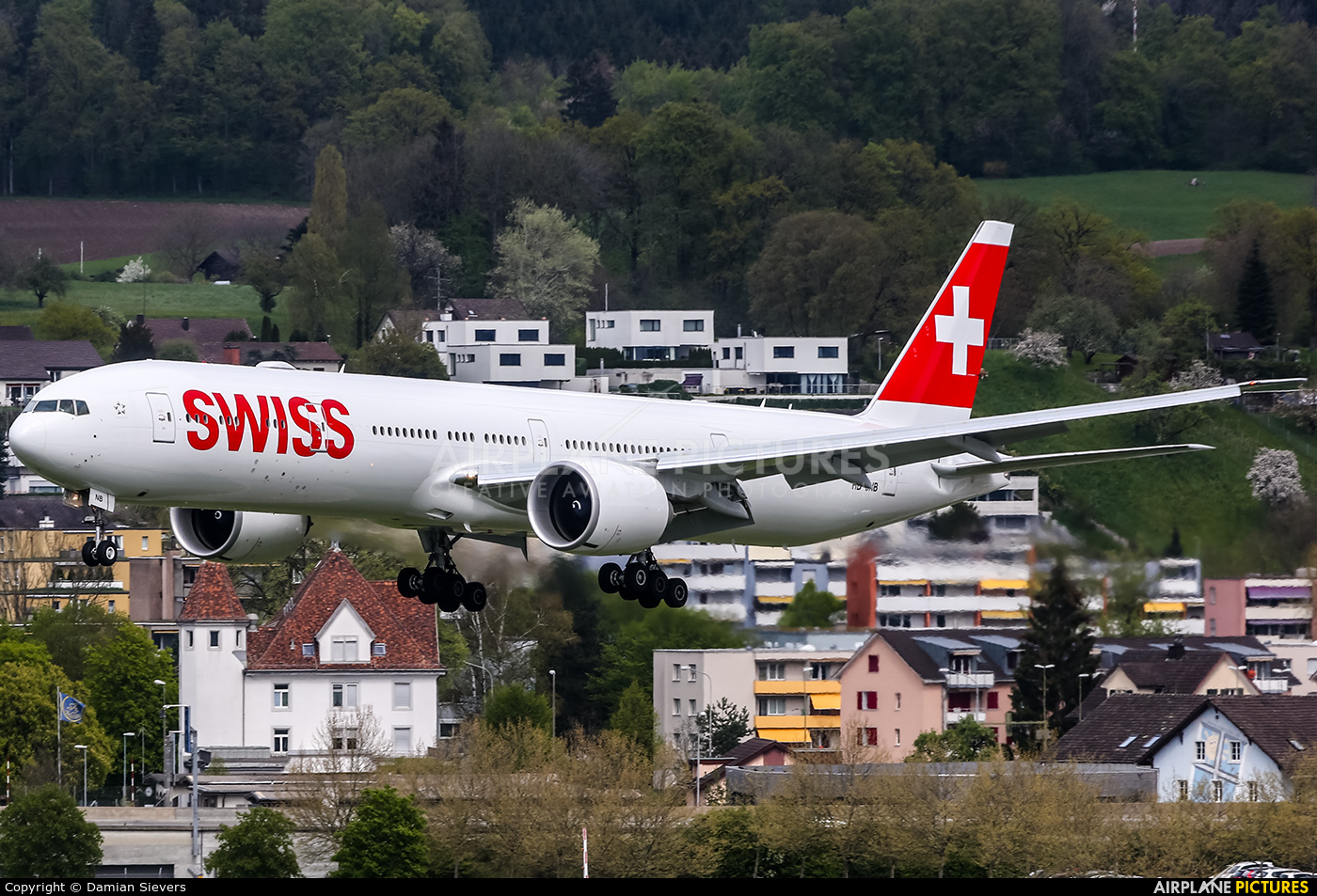 Swiss HB-JNB aircraft at Zurich