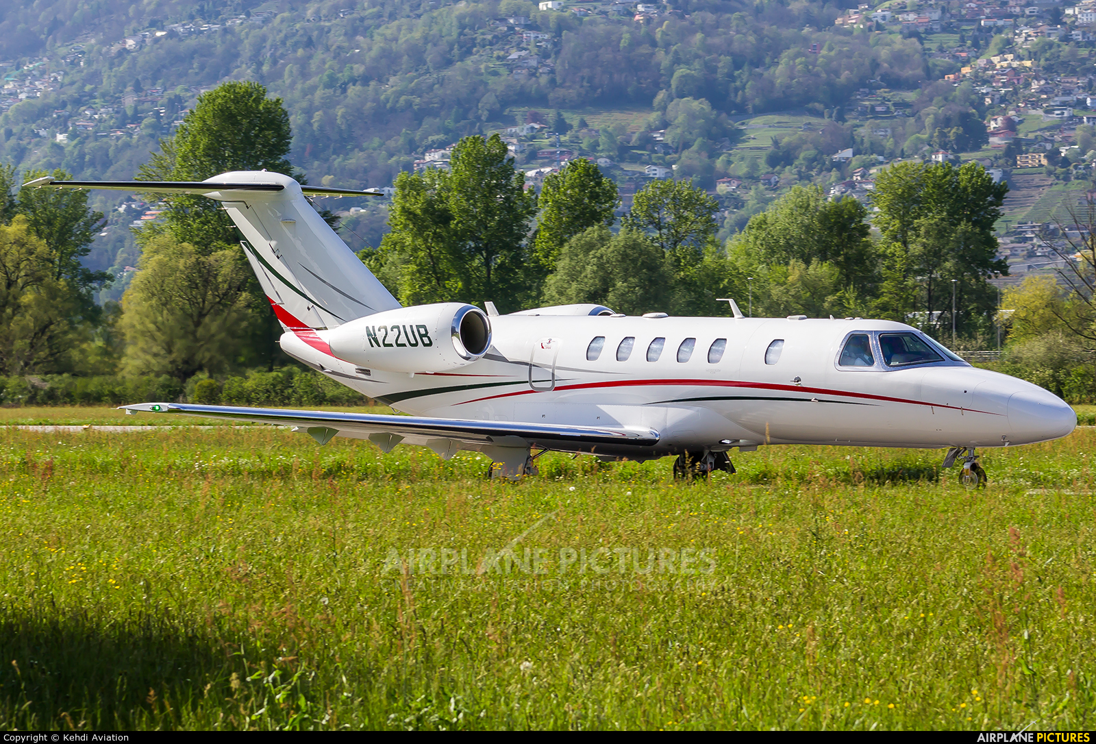 Private N22UB aircraft at Locarno