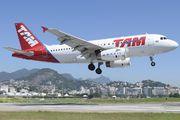 PT-TMI - TAM Airbus A319 aircraft
