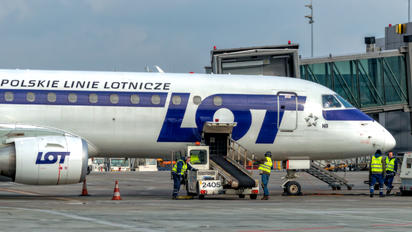 SP-LNB - LOT - Polish Airlines Embraer ERJ-190 (190-100)