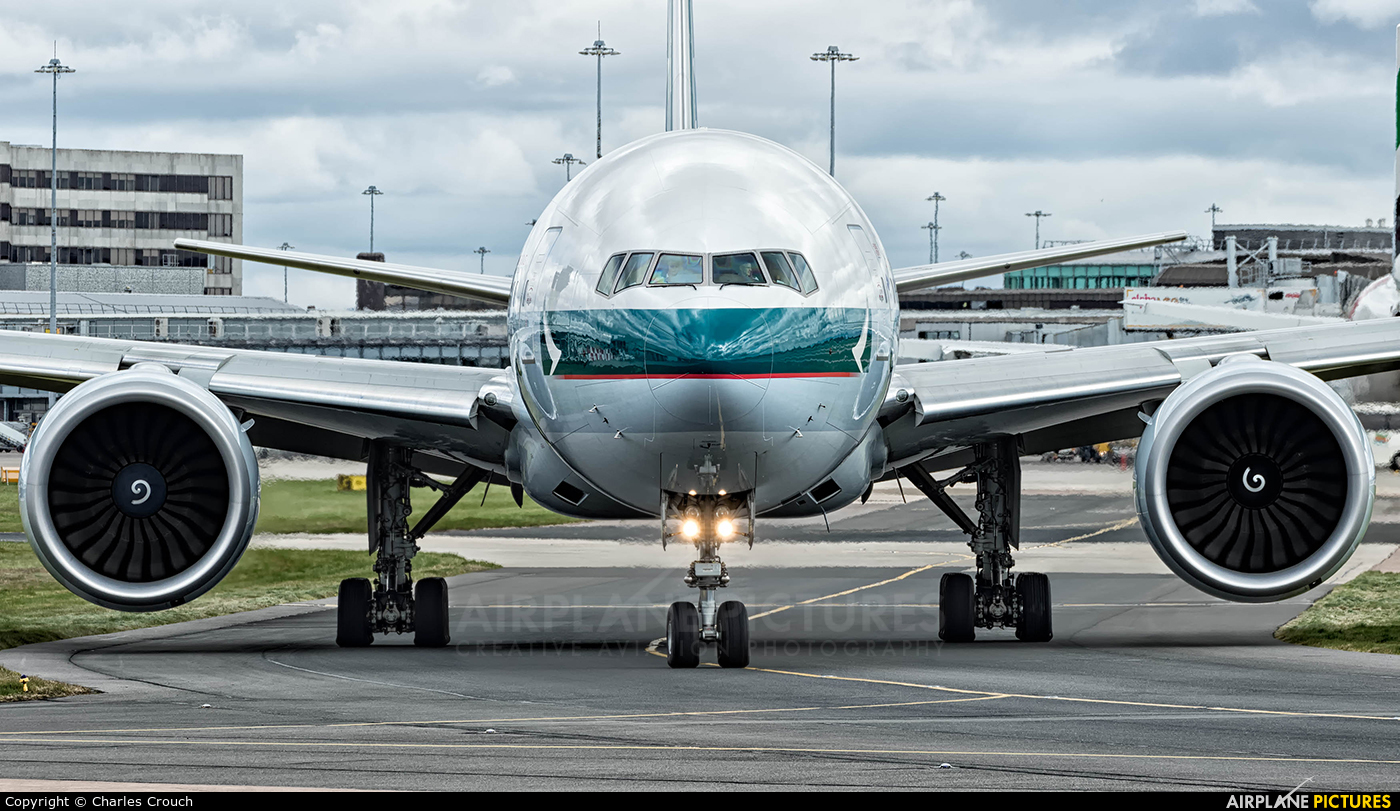 Cathay Pacific B-HNR aircraft at Manchester