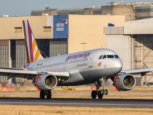 D-AKNQ - Germanwings Airbus A319
