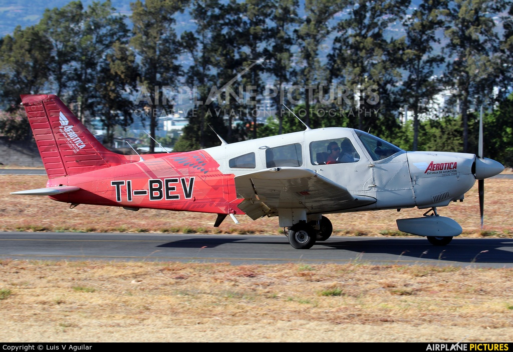 Private TI-BEV aircraft at San Jose - Tobías Bolaños Intl