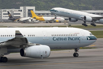B-LAH - Cathay Pacific Airbus A330-300