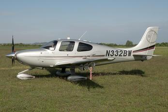 N332BW - Private Cirrus SR22