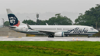 N557AS - Alaska Airlines Boeing 737-800