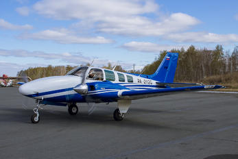 RA-2112G - Private Beechcraft 58 Baron