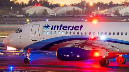 XA-JLV - Interjet Sukhoi Superjet 100