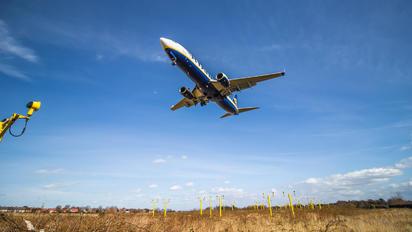 EI-EBZ - Ryanair Boeing 737-800