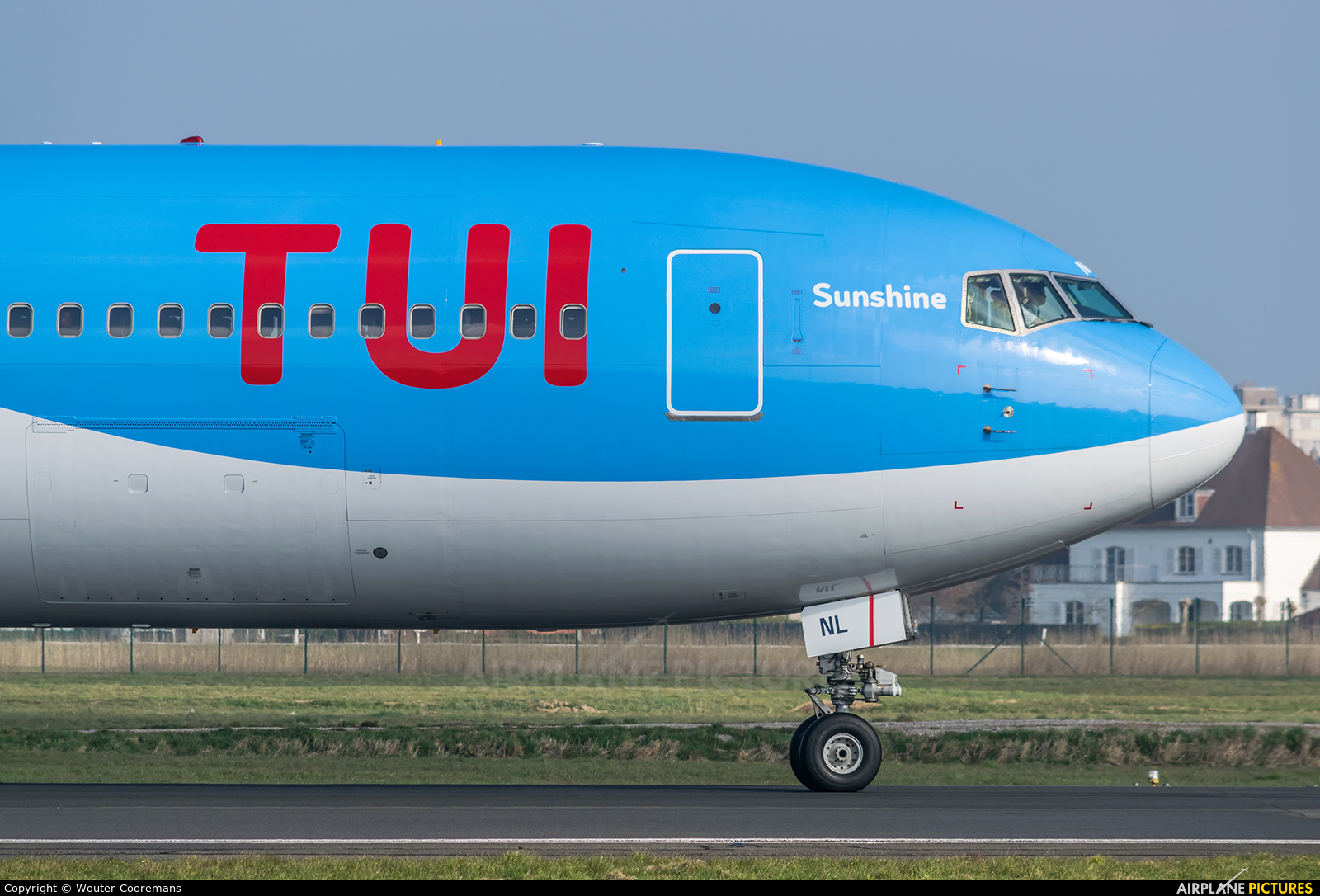 Jetairfly (TUI Airlines Belgium) OO-JNL aircraft at Ostend / Bruges