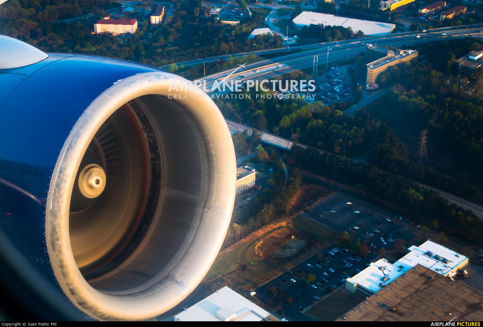 Delta Air Lines N681DA aircraft at Atlanta - Hartsfield-Jackson Intl