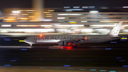 9V-SYL - Singapore Airlines Boeing 777-300