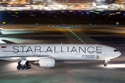 9V-SYL - Singapore Airlines Boeing 777-300 aircraft