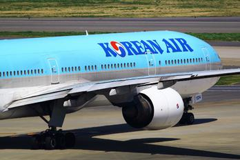 HL7534 - Korean Air Boeing 777-300