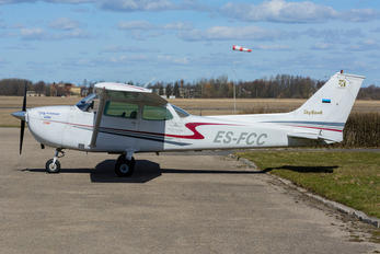 ES-FCC - Private Cessna 172 Skyhawk (all models except RG)