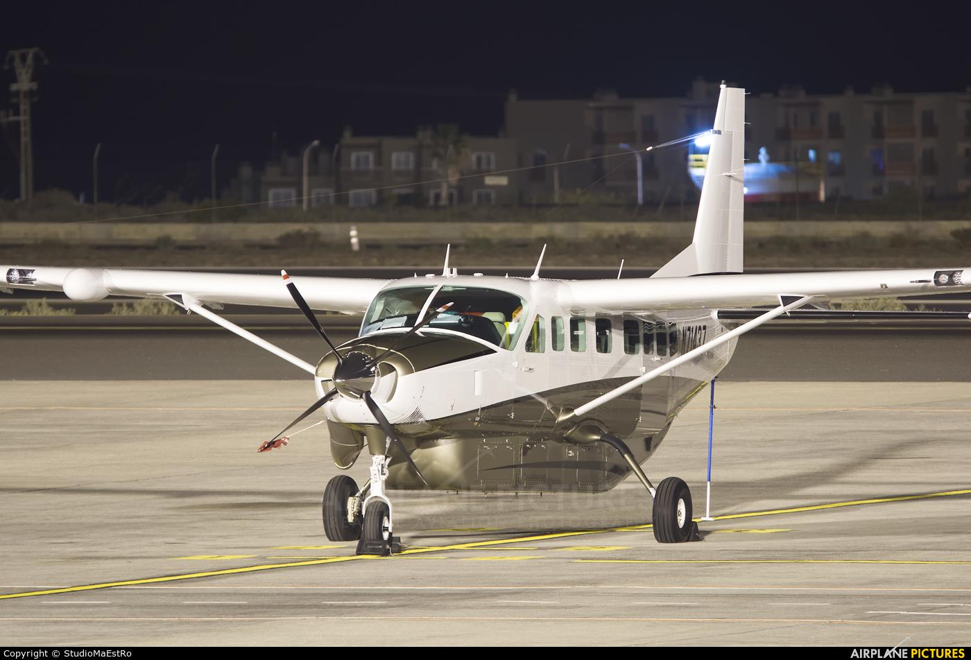Private N71437 aircraft at Tenerife Sur - Reina Sofia
